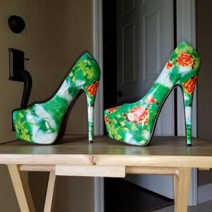 Shoes green and red